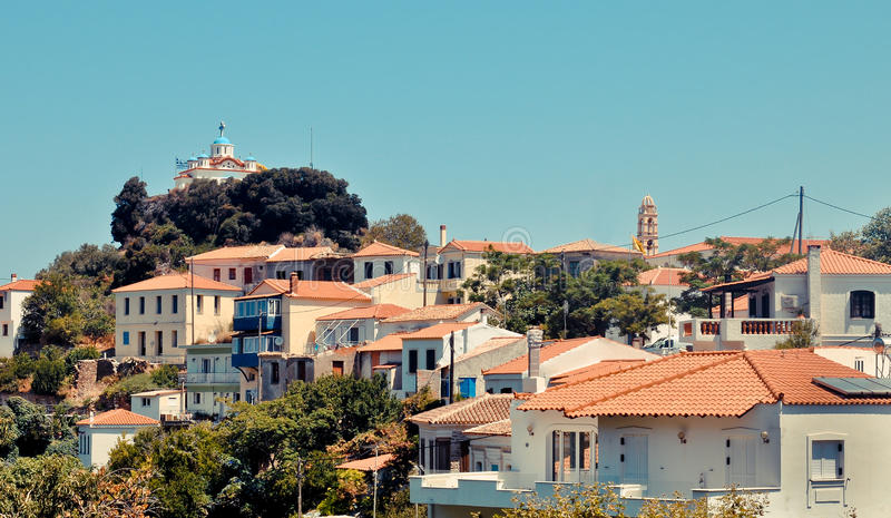 Kirche Agia Triada über Stadt Paleo Karlovasi, Samos, Griechenland stockfoto