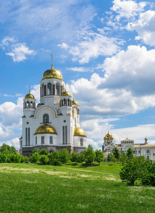 Kirche auf Blut zu Ehren aller Heiligen glänzend in Russland, Jekaterinburg stockbilder