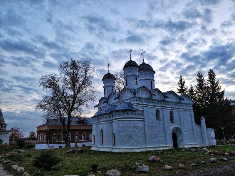 Kirche der Absetzung der Robe in Suzdal lizenzfreie stockbilder