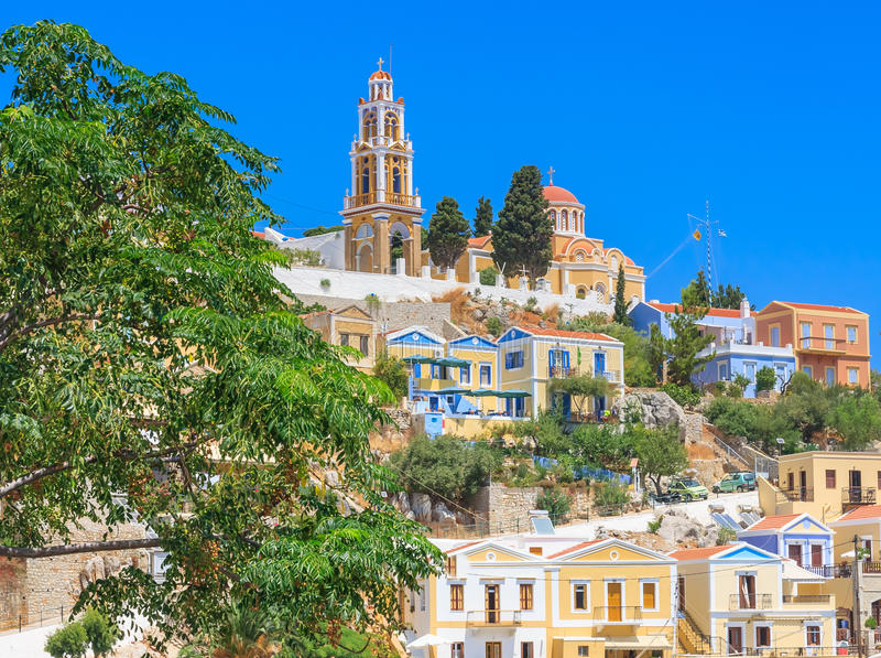 Kirche der Anzeige Harani-Bereich Ano Symi Griechenland stockfotos