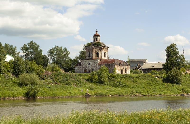 Kirche der Fürbitte Verkhoturye Russland stockbilder