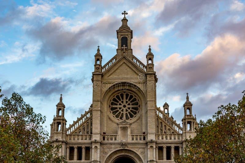 Kirche des Heiligen Catherine in Brüssel an einem bewölkten Tag, Belgien lizenzfreie stockfotografie