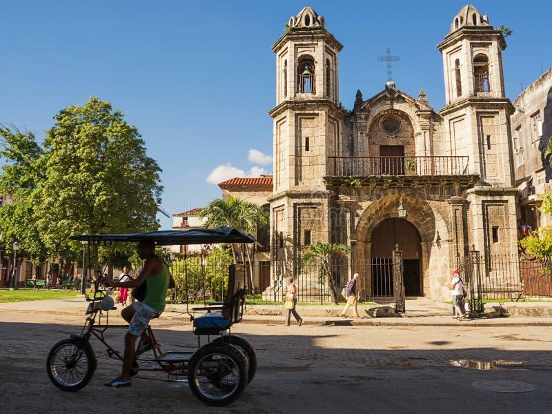 Kirche des heiligen Christus der guten Reise nach altem Havana und bicy lizenzfreie stockbilder