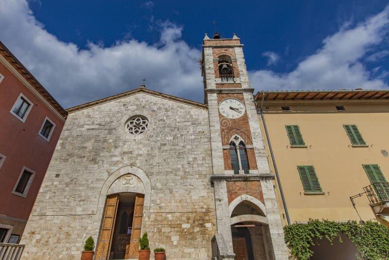 Kirche des Heiligen Franziskus in ` Orcia Sans Quirico d stockfotografie