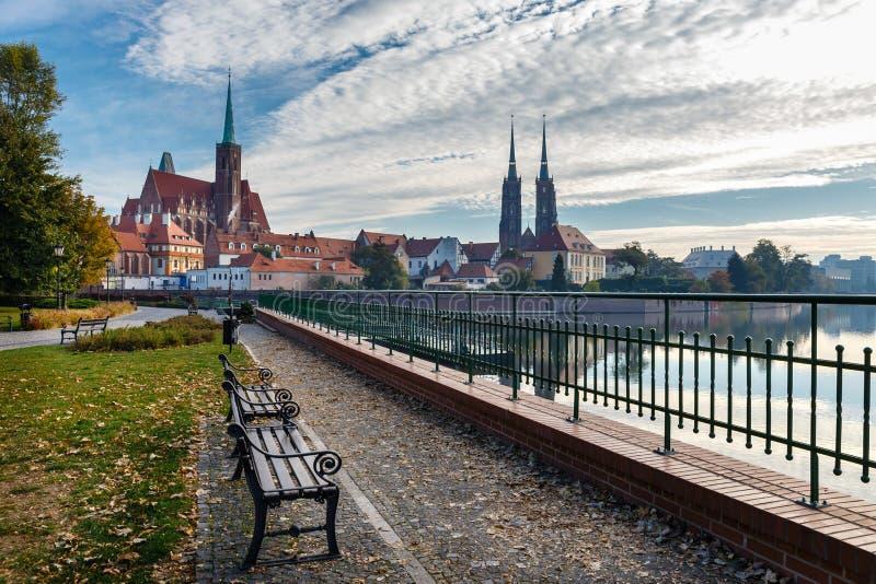Kirche des heiligen Kreuzes und des St Bartholomew in Breslau, Polen lizenzfreie stockfotos
