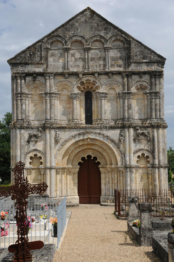 Kirche des Petit Palais und des Cornemps in Gironde lizenzfreies stockfoto
