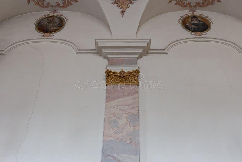 Kirche gemalte Wandinnenraumdetails lizenzfreie stockfotos