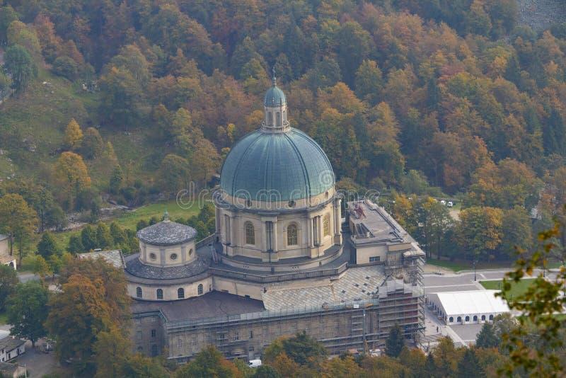 Kirche im Wald stockfoto
