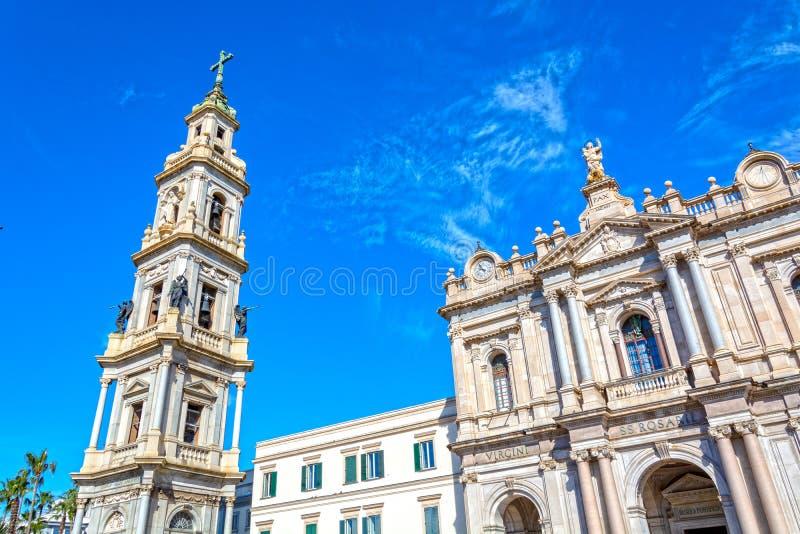Kirche in Pompeji, Italien lizenzfreie stockbilder