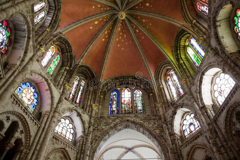 Kirche Romanesque-Str.-Gereon stockbilder