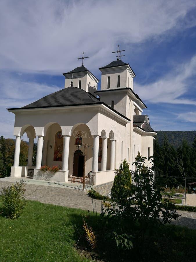 Kirche in Rumänien stockfotografie