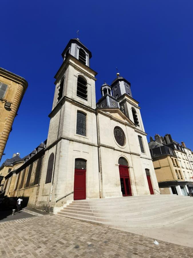 Kirche in Sedan, Frankreich stockbilder