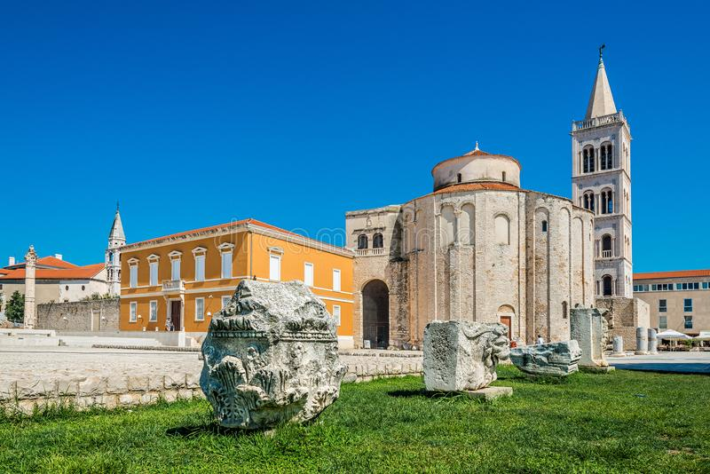 Kirche St. Donatus am Tageslicht in der alten Stadt, Zadar, Kroatien stockbild