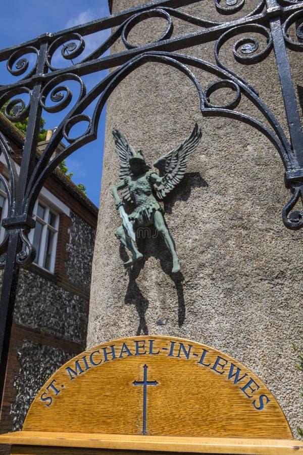 Kirche St. Michael-in-Lewes lizenzfreie stockfotografie