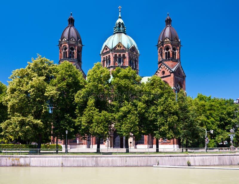 Download Kirche Str.-Lukas, München, Deutschland Stockbild - Bild von niemand, gemeinde: 26366623