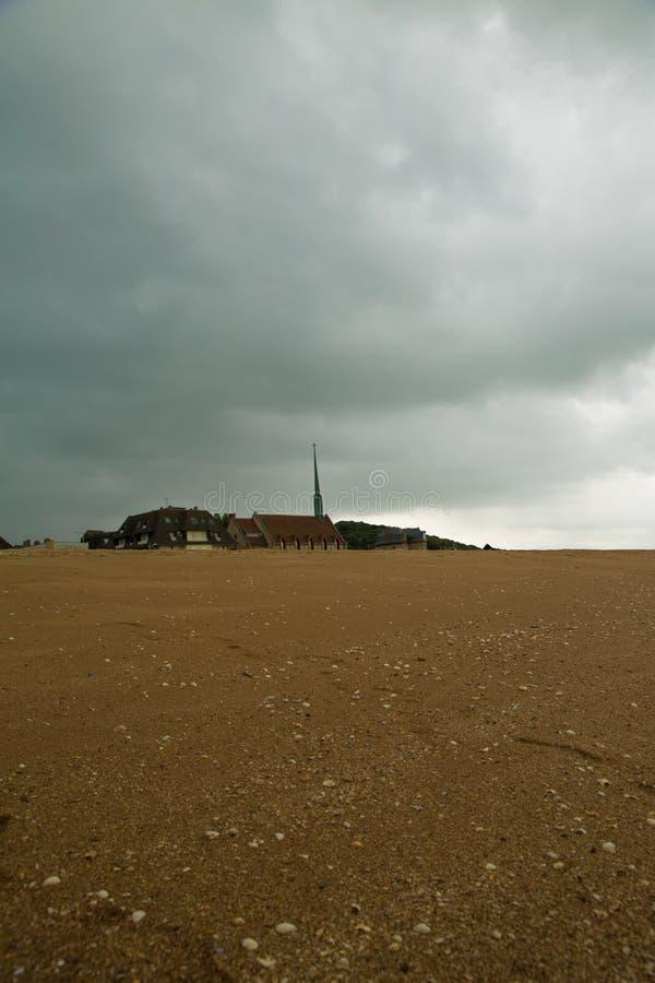 Kirche unter dem Sand 2 lizenzfreie stockbilder