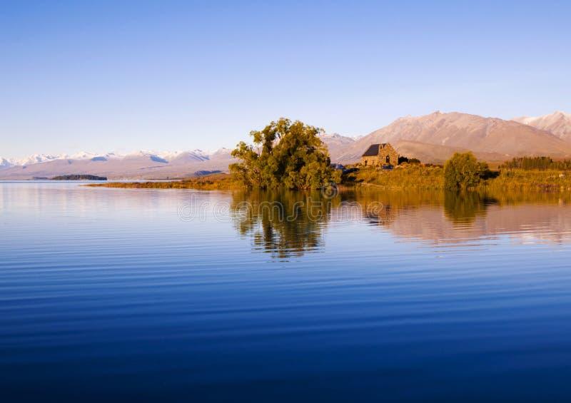 Kirche von der gute Hirte und von See, Mackenzie Country, Canterbury, Neuseeland lizenzfreie stockfotos