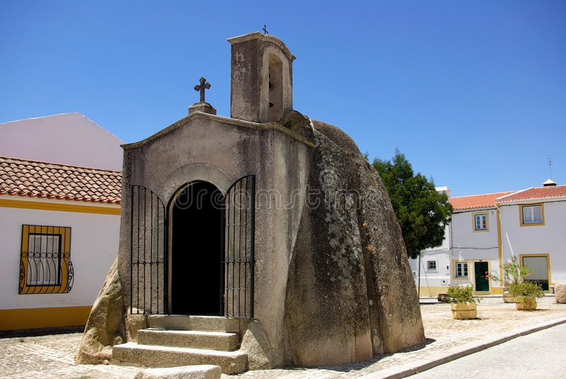 Kirche von megalític lizenzfreie stockbilder
