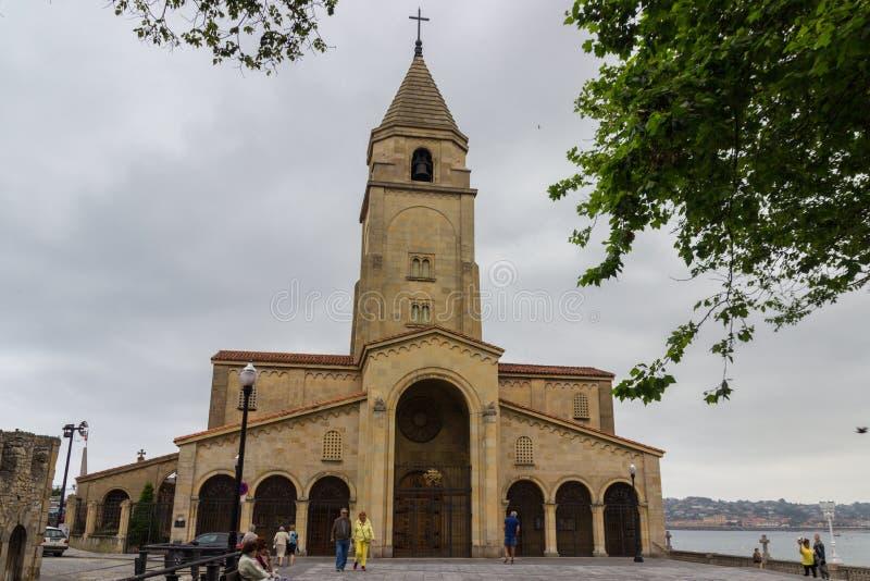 Kirche von San Pedro in Gijon stockbilder