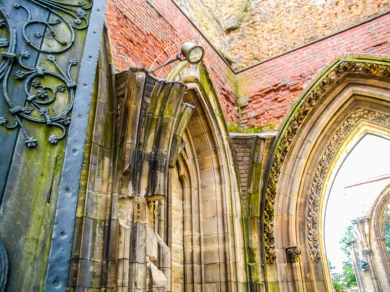 Kirche von Sankt- Nikolausruinen in Hamburg-hdr lizenzfreie stockfotografie