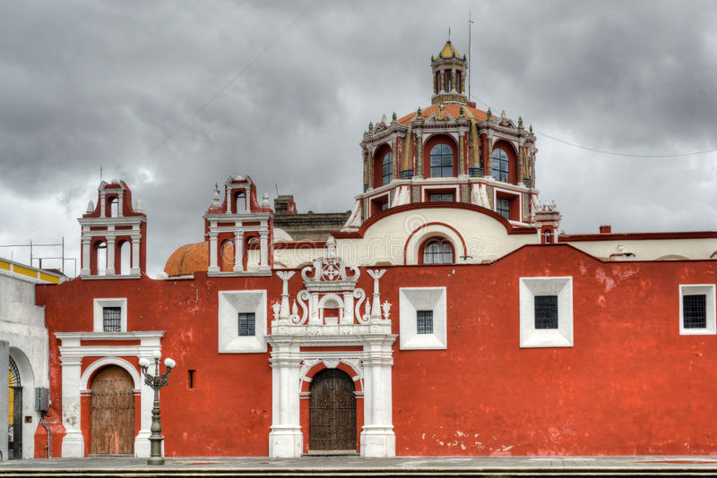 Kirche von Santo Domingo - Puebla, Mexiko stockbilder
