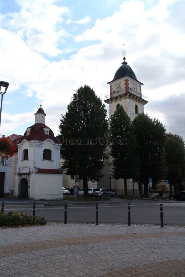 Kirche von St Martin und von Kapelle von ½ St. Jan. Nepomuckà in Bojnice lizenzfreies stockbild