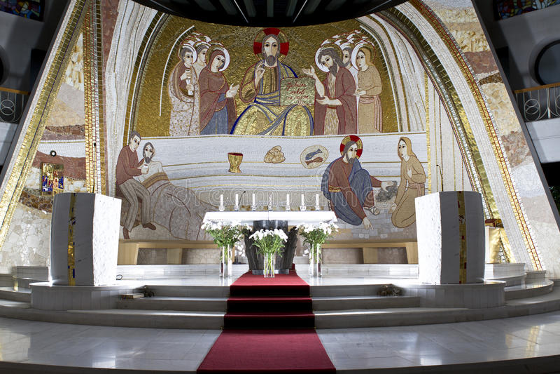 Kirchealtar lizenzfreie stockfotos