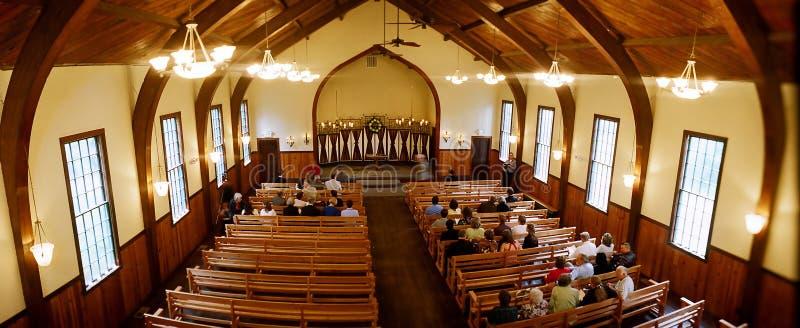 Kircheinnenraum lizenzfreies stockfoto