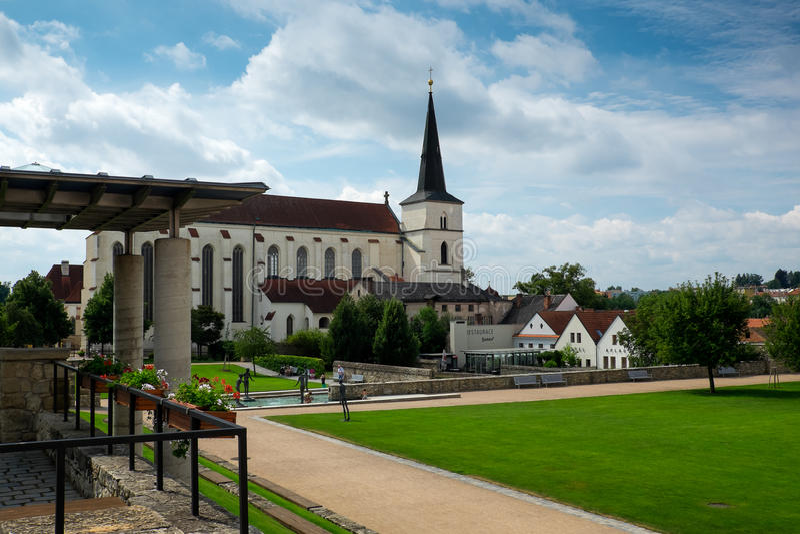 Kirchen- und Klostergarten stockfoto