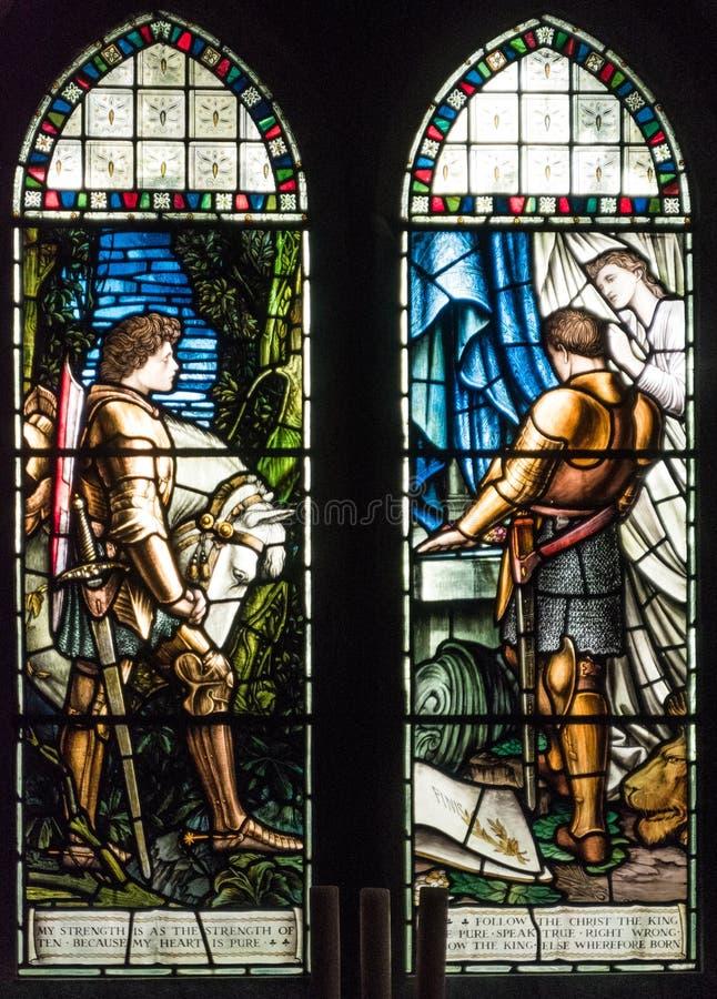 Kirchenbuntglasfenster lizenzfreie stockbilder