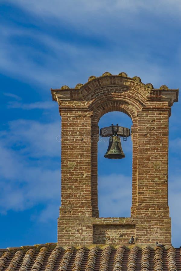 Kirchenglocke in Montepulciano lizenzfreies stockbild