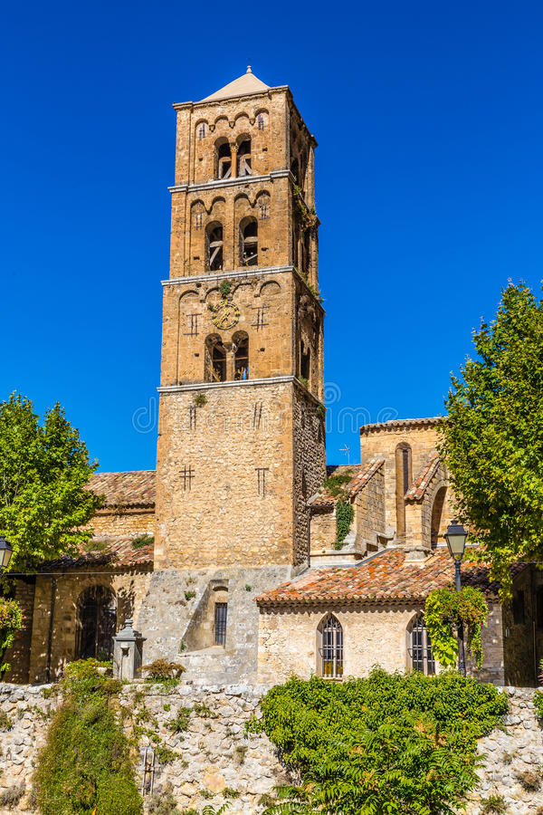 Kirchenglocke-Turm-Moustiers Sainte Marie, Frankreich lizenzfreies stockfoto