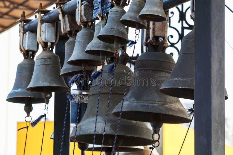 Kirchenglocken schließen oben lizenzfreie stockfotos