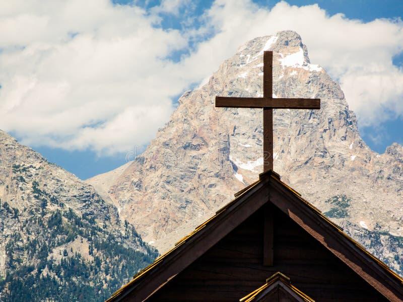 Kreuz und Gipfel lizenzfreie stockfotos
