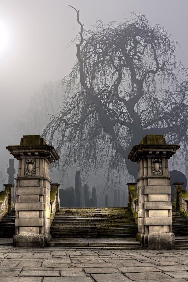 Kirchhof an einem nebeligen Tag stockfoto