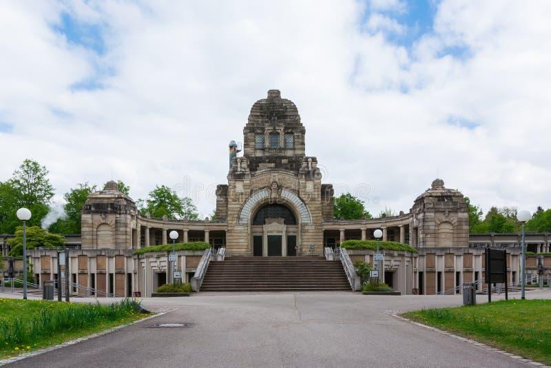 Kirchhof Stuttgarts Deutschland Pragfriedhof Feierhalle-Architektur stockfotografie