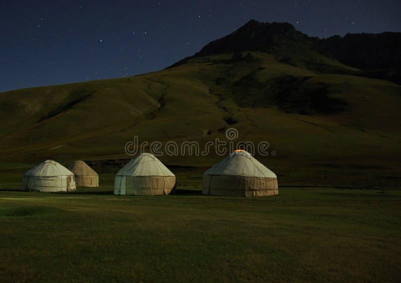 kirghiz blasku księżyca jurta fotografia stock
