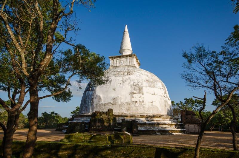 Kiri Vehera, ciudad antigua de Polonnaruwa imagen de archivo libre de regalías