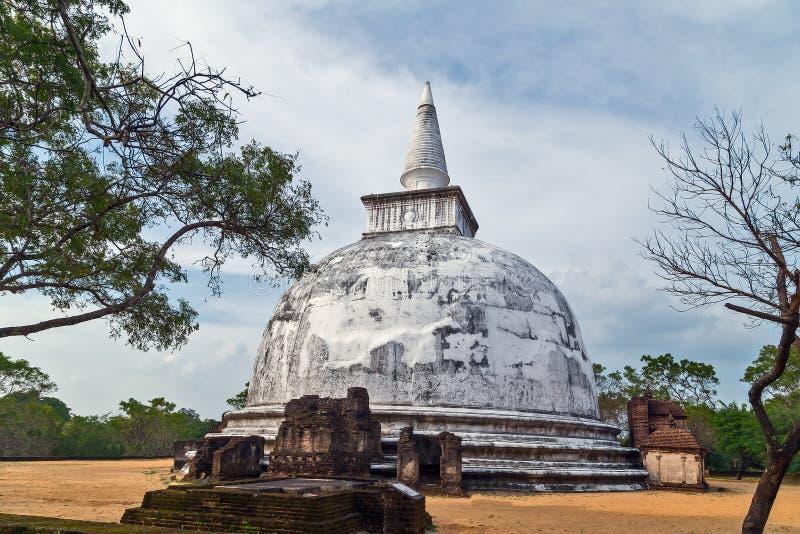 Kiri Vehera i den Polonnaruwa stadstemplet Sri Lanka arkivbild