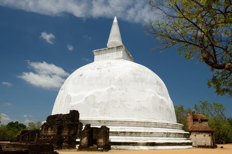 Kiri Vihara佛教Stupa在Polonnaruwa,斯里兰卡 免版税库存图片