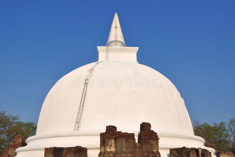 Kiri Vihara Buddhist Stupa Polonnaruwa, Sri Lanka royaltyfria bilder