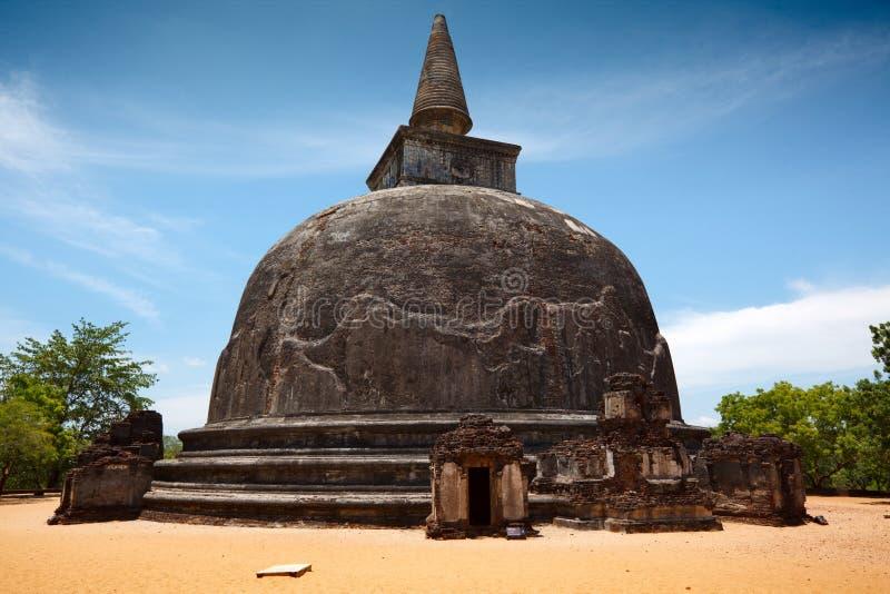Kiri Vihara - dagoba budista antigo (stupa) imagem de stock