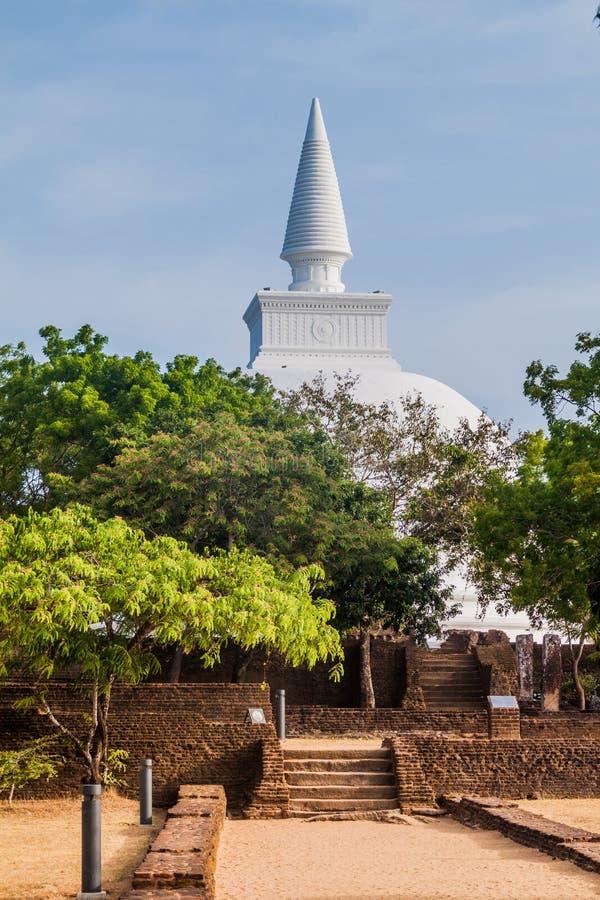 Kiri Vihara i den forntida staden Polonnaruwa, Sri LAN arkivfoto