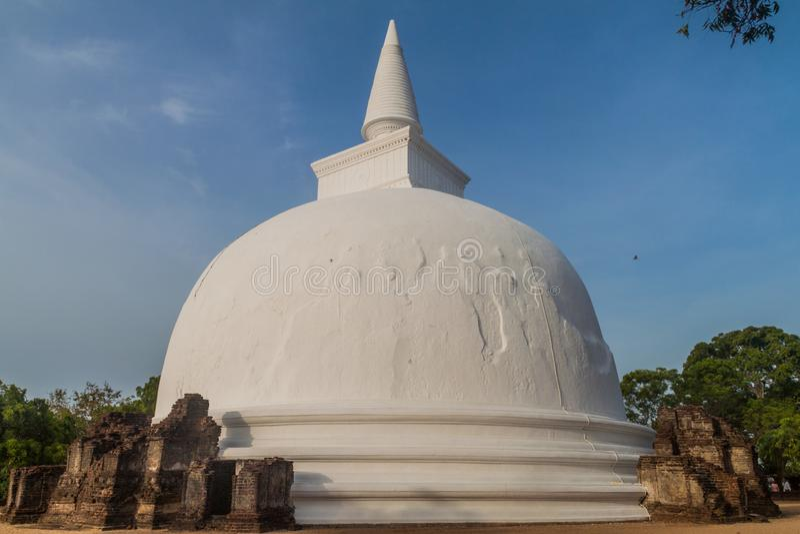 Kiri Vihara i den forntida staden Polonnaruwa, Sri LAN royaltyfri bild