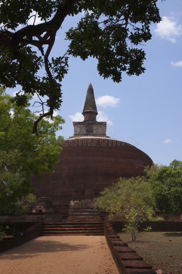 Kiri Vihara na cidade antiga de Polonnaruwa ou de Pulattipura, reino foto de stock