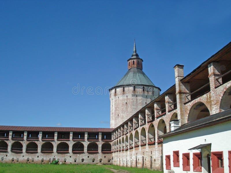 Kirillo-Belozersky kloster royaltyfri bild