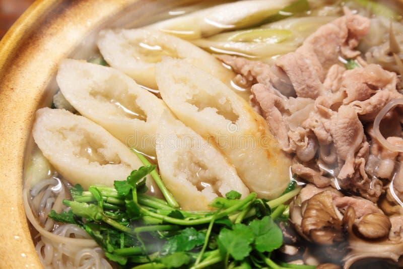 Kiritanpo-nabe, hotchpotch con las barras del arroz foto de archivo