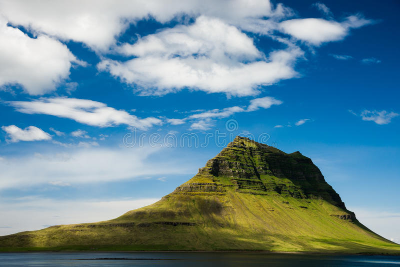 Kirkjufell góra, Zachodni Iceland fotografia royalty free