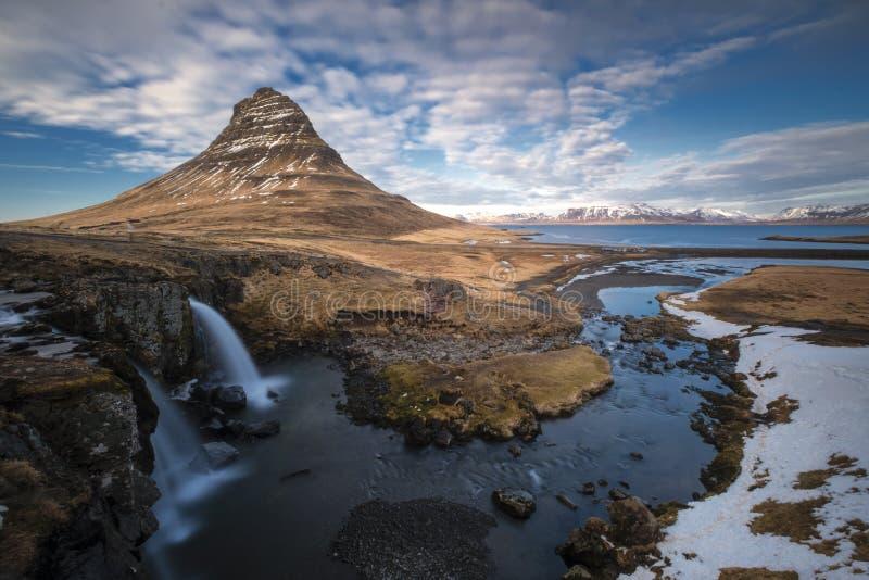 Kirkjufellfos arround Grundafjordur IJsland stock afbeeldingen