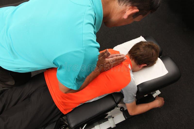 kiropraktor arkivfoto